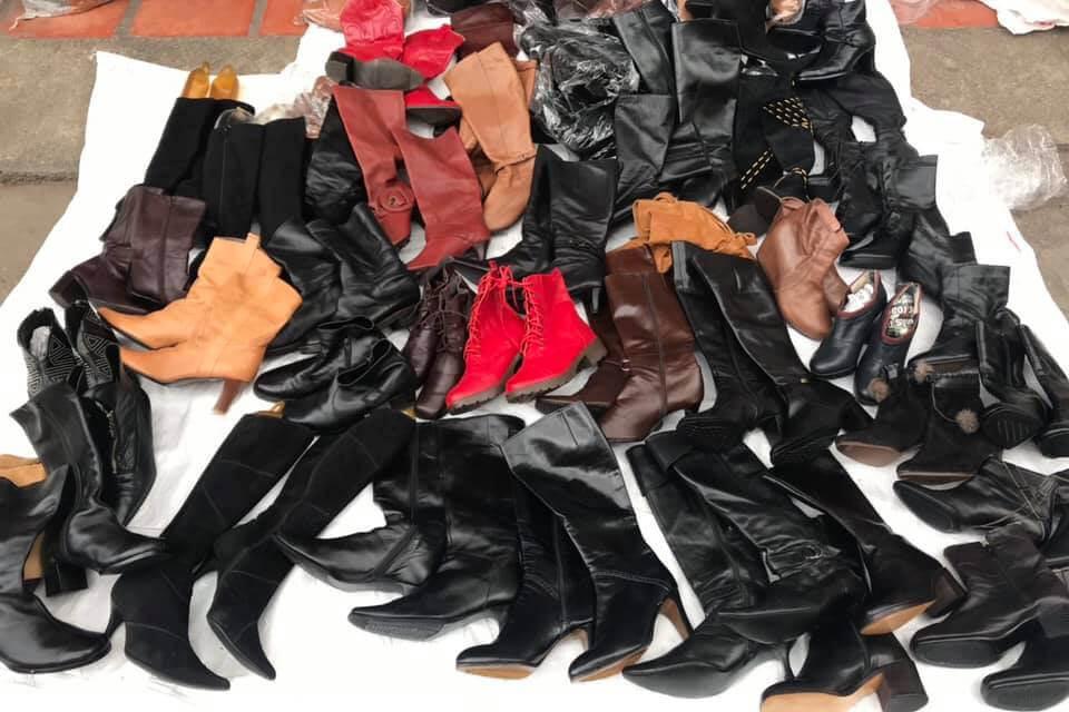 giay boots nu hang thung la giay da qua su dung tap hop nhieu loai giay tu boots cao got, boots bet...